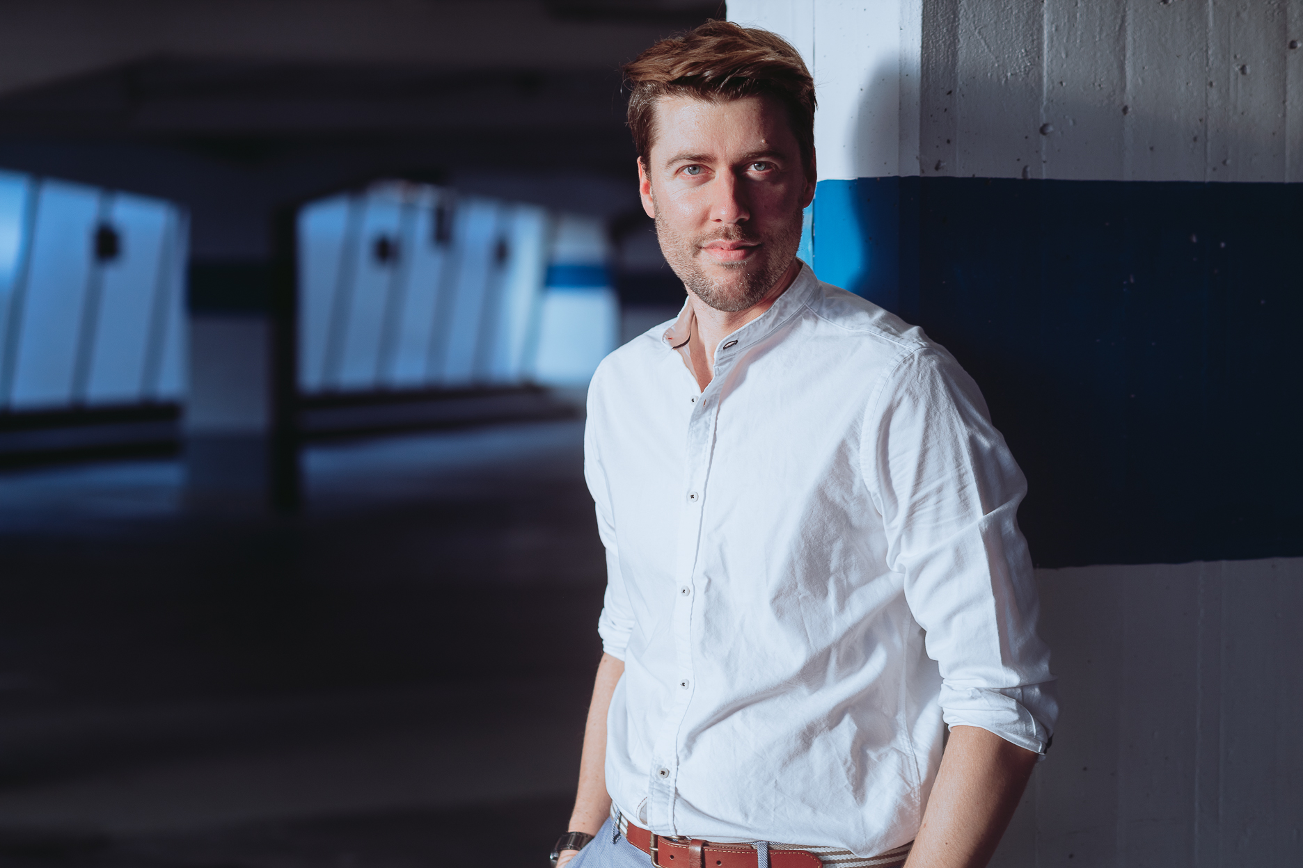 Professional, Application Portrait made in Munich featuring the Portrait, Actor, Headshot and Business photographer Daniel Schubert and the Youtuber xAxelx.